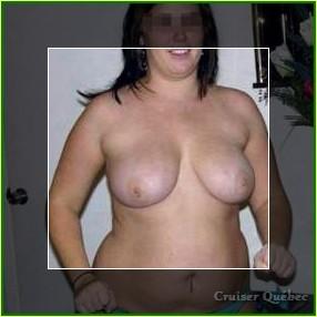 Fille très ouverte à gros seins qui aime le sexe à Montréal